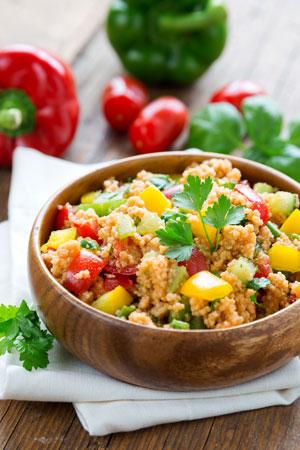 Indyk z warzywami i komosą