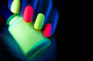 Lakiery fluorescencyjne