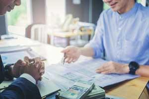 różnica między kredytem o pożyczką