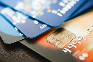 Unikanie opłat za kartę kredytową