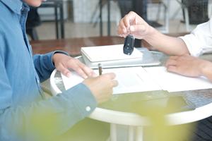 Leasing, kredyt gotówkowy czy samochodowy