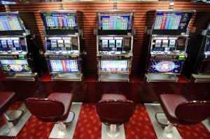 automaty do gier w salonie gier