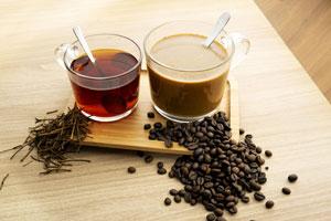 Kawa i herbata utrudniają absorbcję żelaza