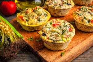 Muffiny z jajek z wędliną