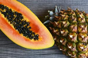 Enzymy z papai i ananasa