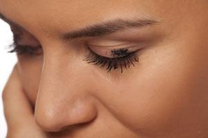 Primer niezbędny element makijażu