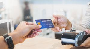 Kredyt odnawialny czy karta kredytowa?