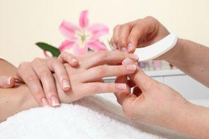 Matowienie płytki paznokcia